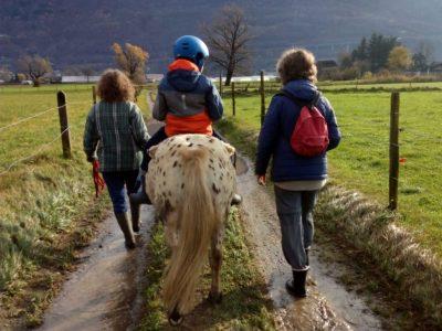 passeggiata di equitazione terapeutica - rieducazione equestre, equitazione-terapeutica.ch